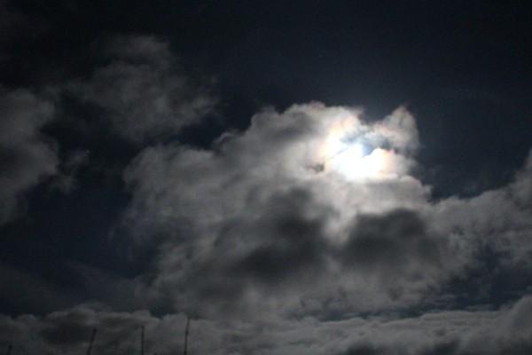 Fuldmåne over Anholt by - foto af Joyann Nielsen